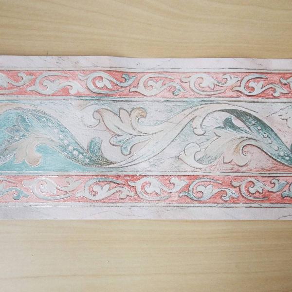 faixa de papel de parede com arabescos