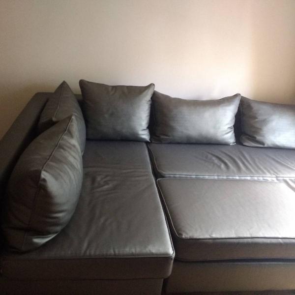 sofá 2 e 3 lugares + puff - cor cinza chumbo