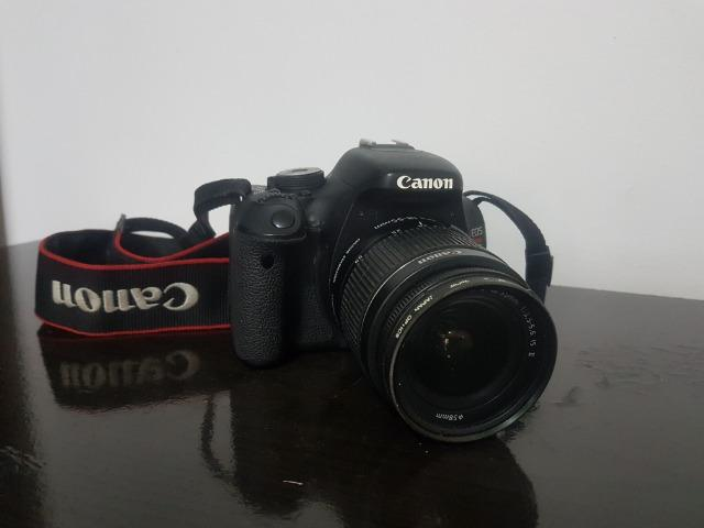 Canon EOS Rebel T3i com acessórios. Baixou o preço!!