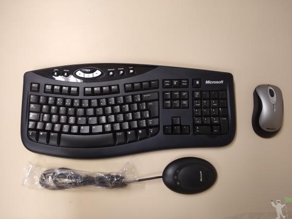 Kit Teclado e Mouse sem fio Microsoft