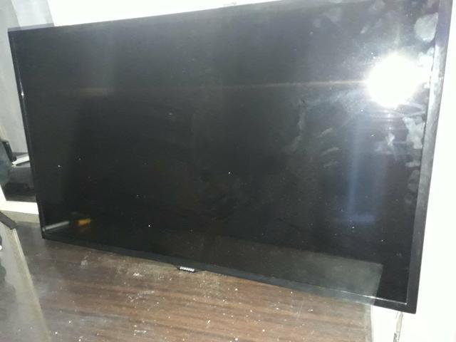 TVs Leds de 40 e 32 para retirada de peças