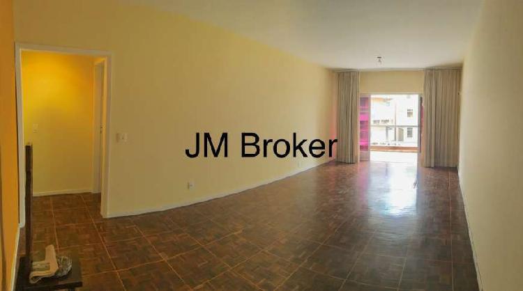 Apartamento com 2 Quartos à Venda, 104 m² por R$ 800.000