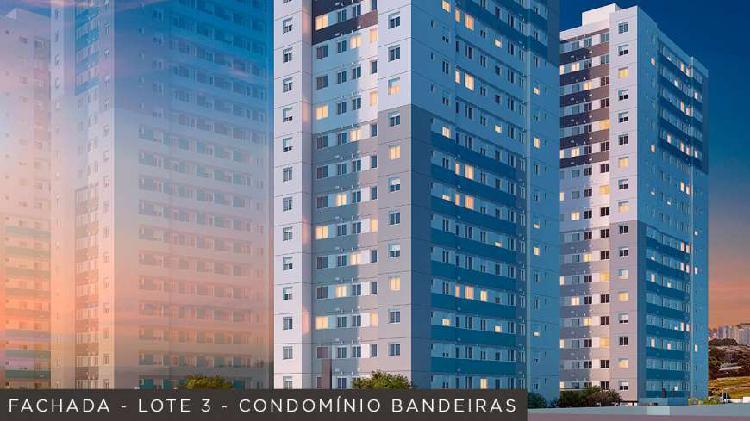Apartamento com 2 Quartos à Venda, 44 m² por R$ 240.000