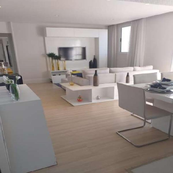 Apartamento com 2 Quartos à Venda, 50 m² por R$ 235.000