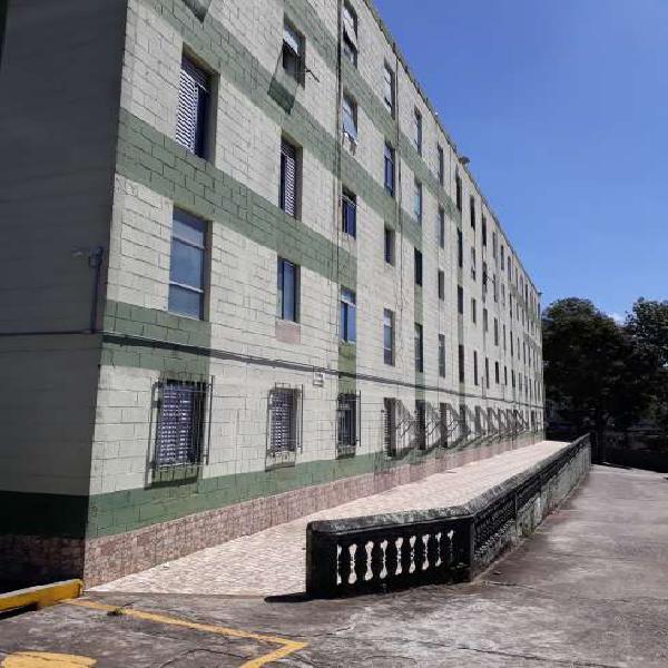 Apartamento com 2 Quartos à Venda, 52 m² por R$ 175.000
