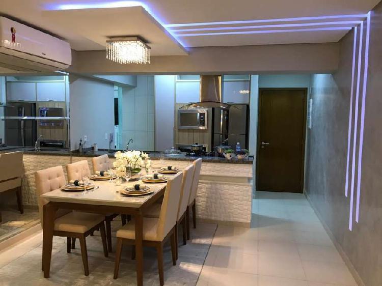 Apartamento com 2 Quartos à Venda, 80 m² por R$ 490.000