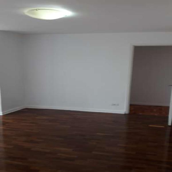 Apartamento com 3 Quartos à Venda, 100 m² por R$ 600.000