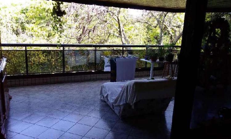 Apartamento com 3 Quartos à Venda, 120 m² por R$ 650.000