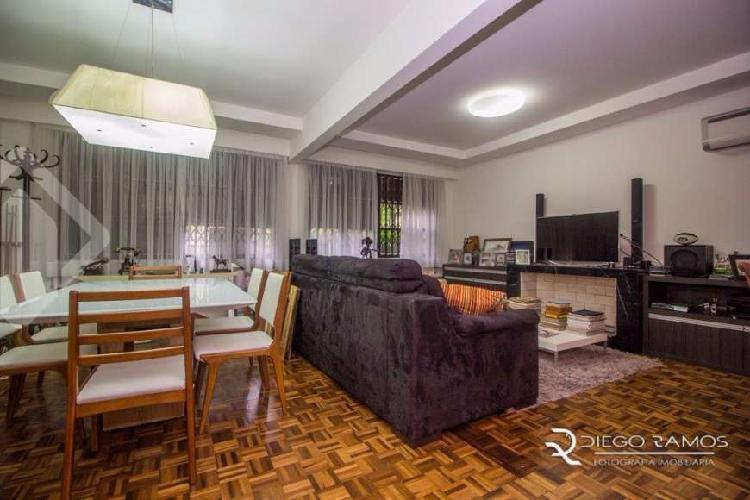 Apartamento com 3 Quartos à Venda, 129 m² por R$ 931.000