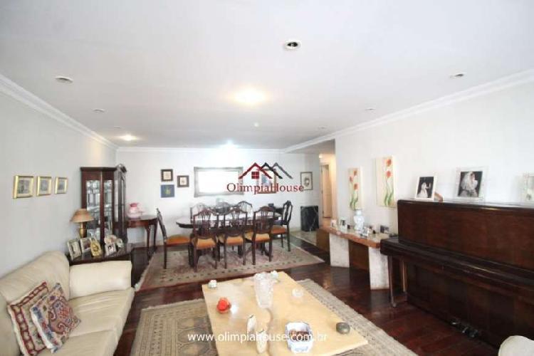 Apartamento com 3 Quartos à Venda, 135 m² por R$ 1.100.000