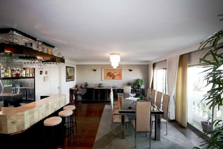 Apartamento com 3 Quartos à Venda, 200 m² por R$ 1.290.000