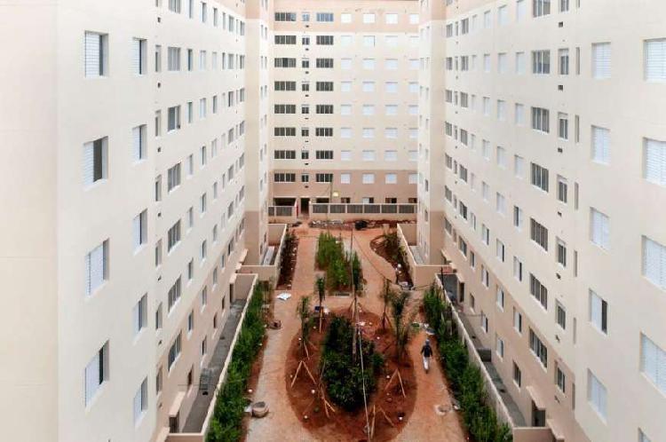 Apartamento com 3 Quartos à Venda, 62 m² por R$ 252.000