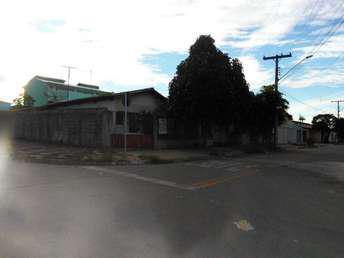 Casa com 3 quartos à venda no bairro Vila Martins, 190m²