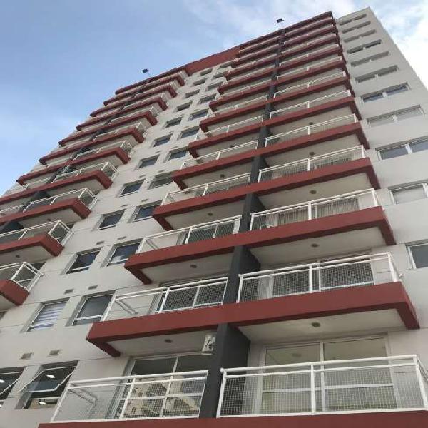 Sala Comercial à Venda, 29 m² por R$ 165.000 COD. 136
