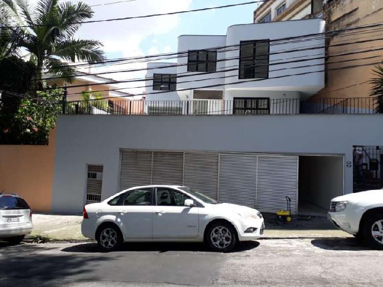 Sobrado com 4 Quartos à Venda, 306 m² por R$ 1.590.000