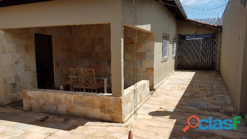 Vendo ou troco casa setor Coimbra Goiânia por apto Caldas
