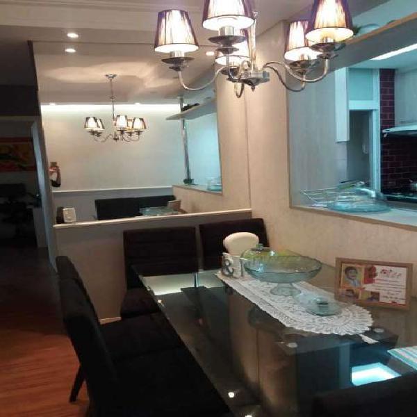 Apartamento com 2 Quartos à Venda, 61 m² por R$ 265.000