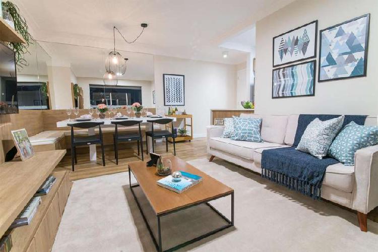 Apartamento com 2 Quartos à Venda, 63 m² por R$ 560.000