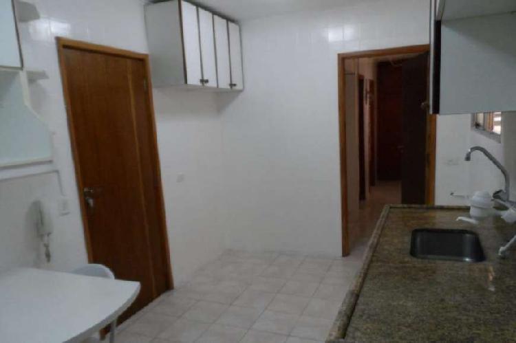Apartamento com 3 Quartos à Venda, 109 m² por R$ 737.000
