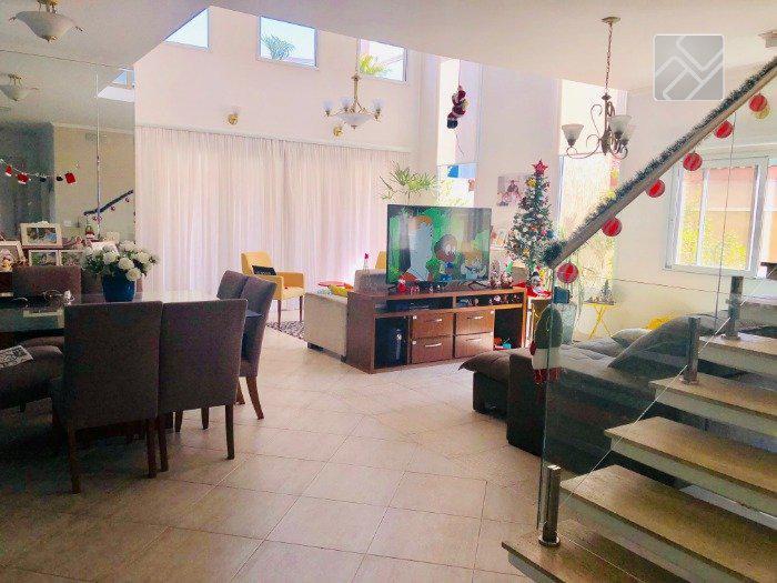 Casa de Condomínio com 3 Quartos à Venda, 300 m² por R$