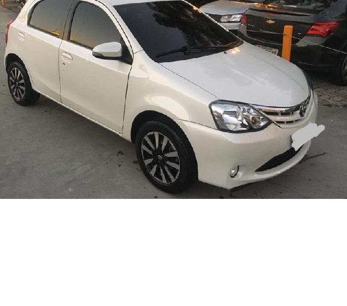 Toyota - Etios XLS completo! Bancos de couro - multimídia