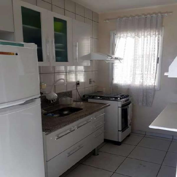 Apartamento com 2 Quartos à Venda, 52 m² por R$ 220.000