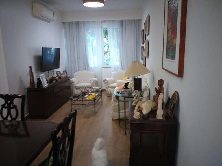 Apartamento com 3 Quartos à Venda, 100 m² por R$ 1.830.000