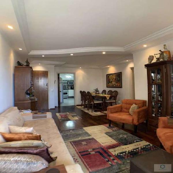 Apartamento com 3 Quartos à Venda, 101 m² por R$ 845.000