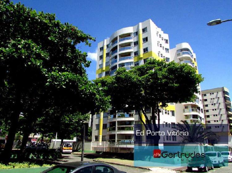 Apartamento com 3 Quartos à Venda, 110 m² por R$ 650.000