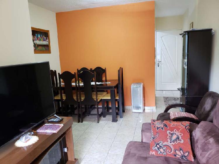 Apartamento com 3 Quartos à Venda, 56 m² por R$ 222.000