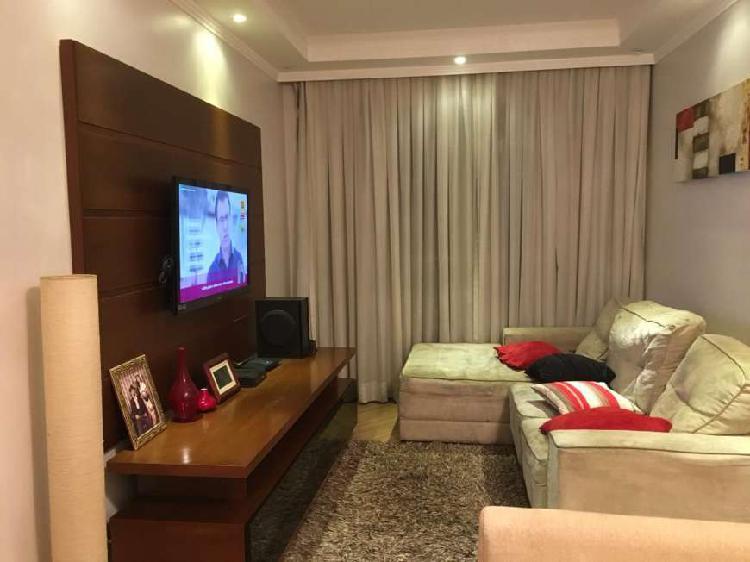 Apartamento com 3 Quartos à Venda, 65 m² por R$ 370.000