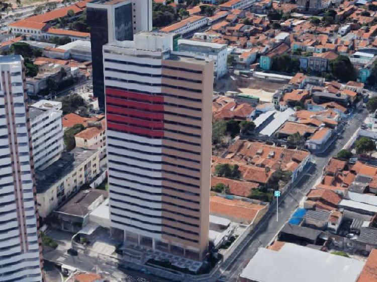 Apartamento com 3 Quartos à Venda, 68 m² por R$ 330.000