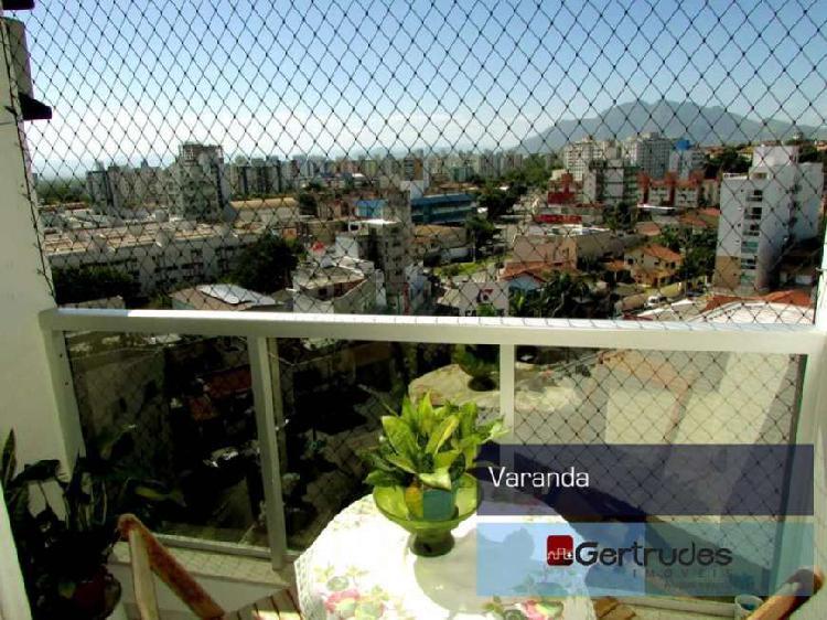 Apartamento com 3 Quartos à Venda, 80 m² por R$ 345.000