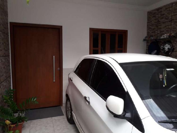 Casa de Condomínio com 2 Quartos à Venda, 127 m² por R$