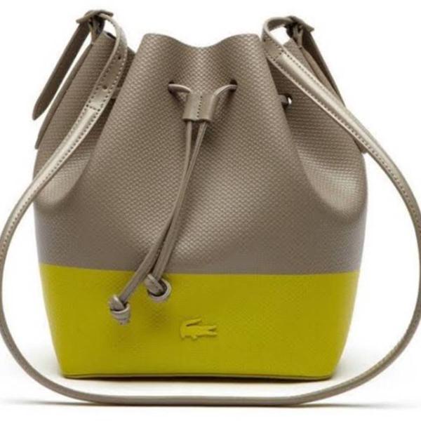 lacoste linda bolsa nova nunca usada!