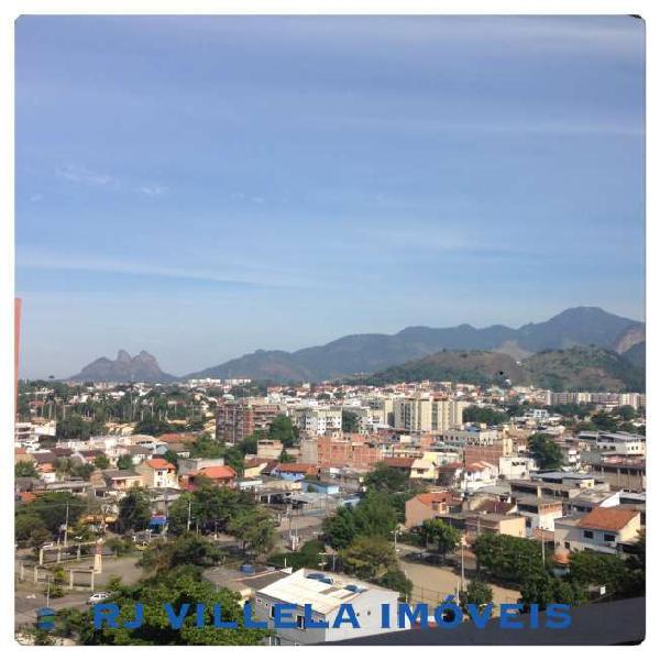 Apartamento com 2 Quartos à Venda, 100 m² por R$ 190.000