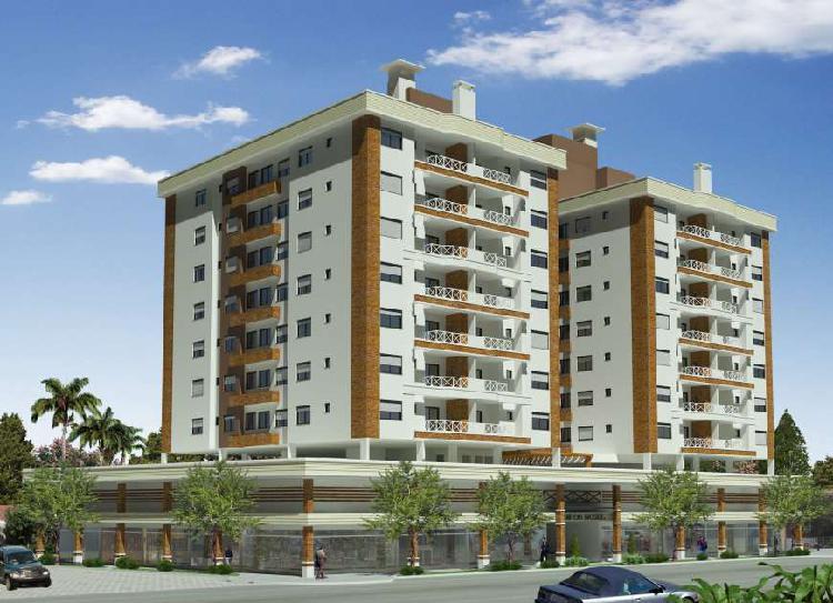 Apartamento com 3 Quartos à Venda, 99 m² por R$ 370.000