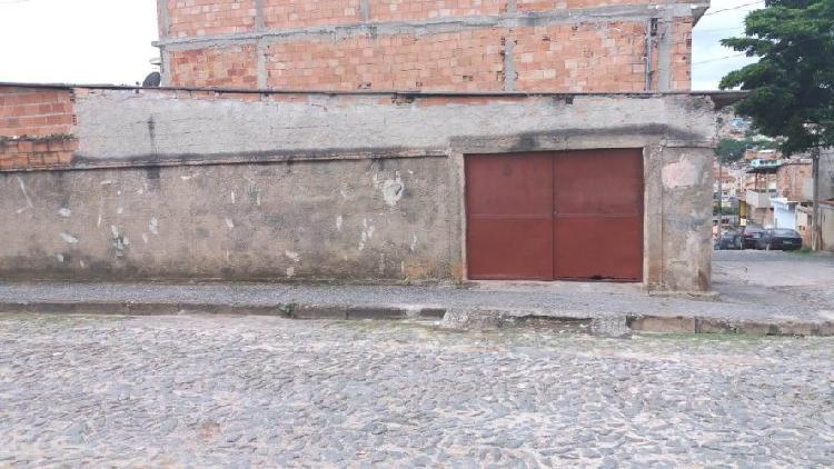 Casa Cohab de esquina com 3 quartos no Bairro Palmital B