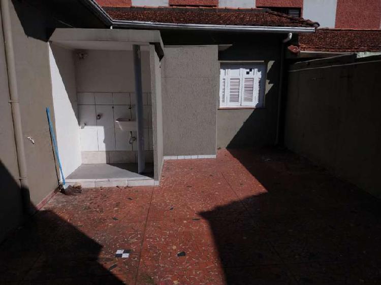 Casa com 3 Quartos para Alugar, 90 m² por R$ 6.000/Mês