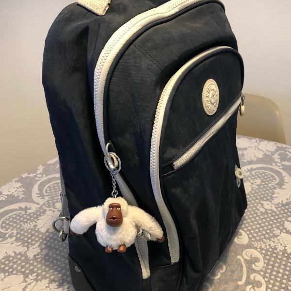 mochila kipling de rodinhas e costas
