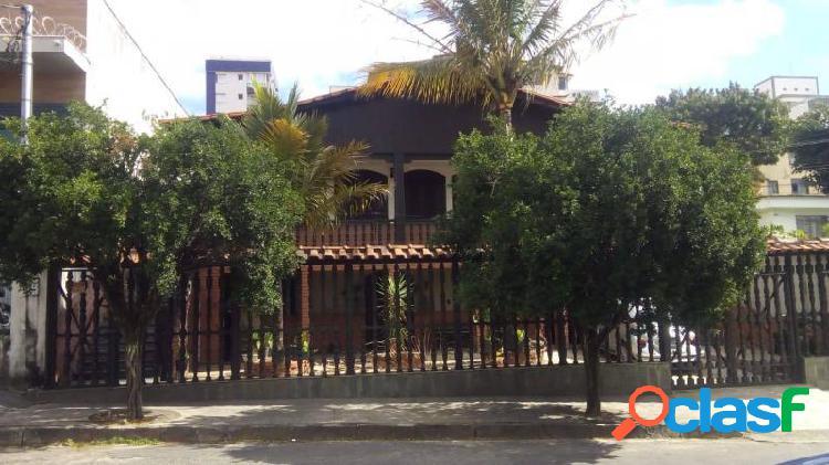 Casa com 4 dorms em Contagem - Glória por 1.3 milhões à