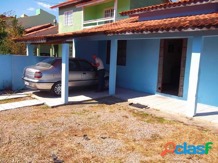 Linda casa a venda com 99m², 03 dormitórios sendo 01