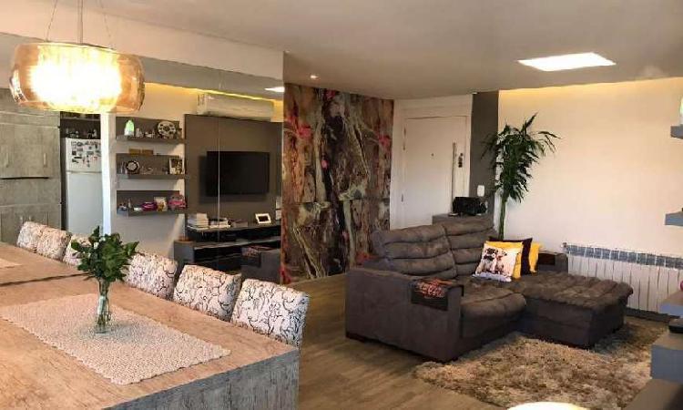 Apartamento com 2 Quartos à Venda, 92 m² por R$ 399.000