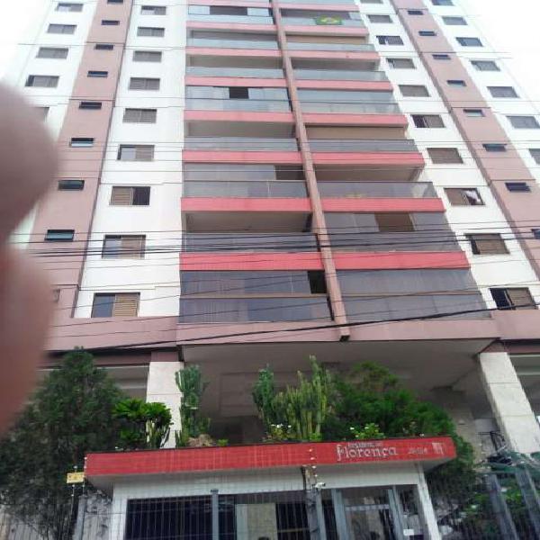 Apartamento com 3 Quartos à Venda, 100 m² por R$ 490.000