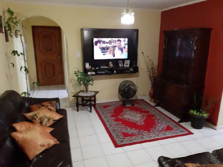 Apartamento com 3 Quartos à Venda, 72 m² por R$ 320.000