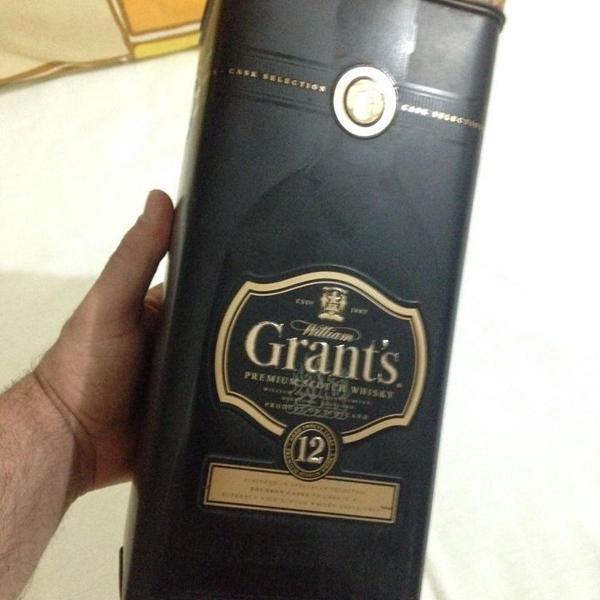 lata antiga uísque grant's antiga só a lata ler tudo r$47