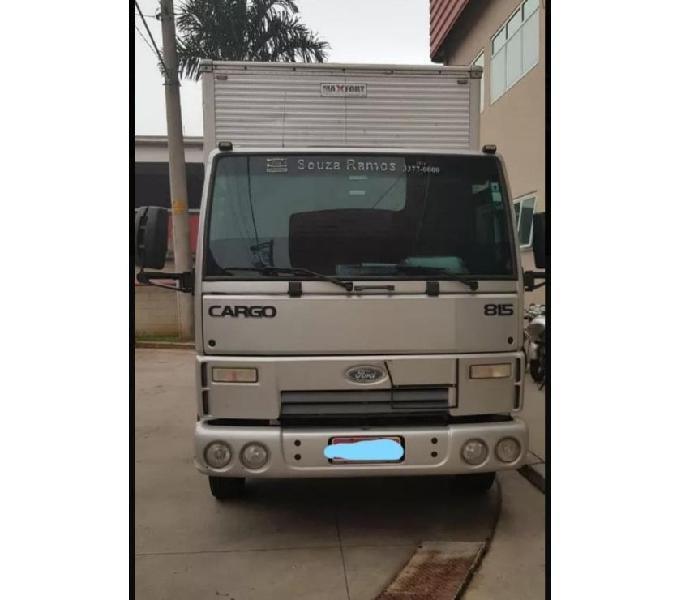 Ford Cargo 815 BAÚ 2012