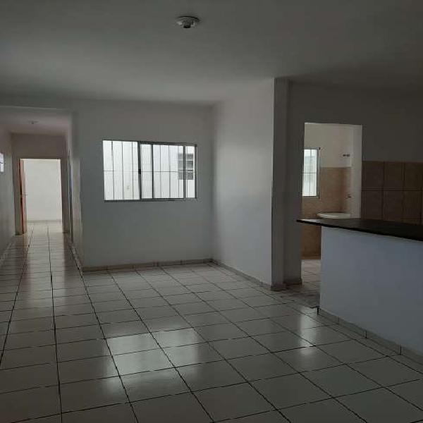 Prédio Residencial com 2 Quartos para Alugar, 70 m² por R$