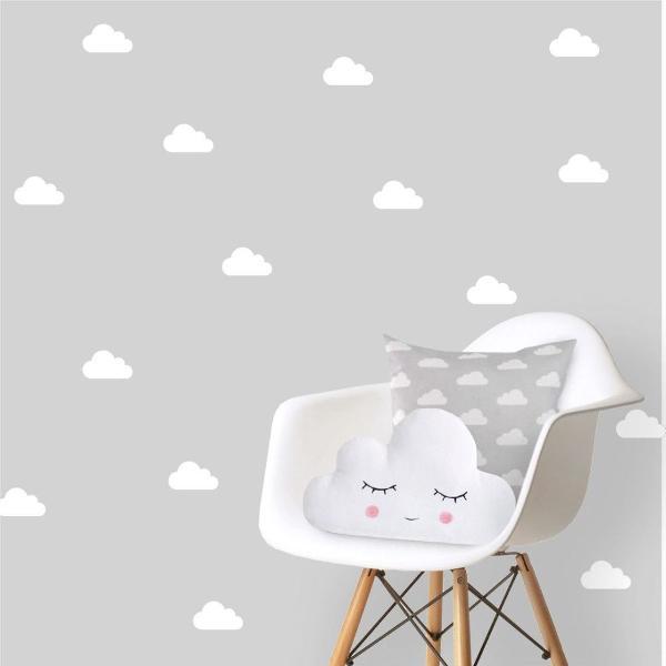 80 nuvens adesivas de 10cm para decorar quartinho do bebe
