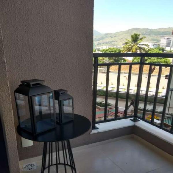 Apartamento com 2 Quartos à Venda, 52 m² por R$ 272.000